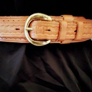 Eddie Bauer by Blanchi Basketweave Tooled Leather